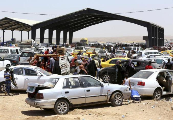 Hundreds of Thousands of Citizens Fleeing the Cities Under Attack by ISIS