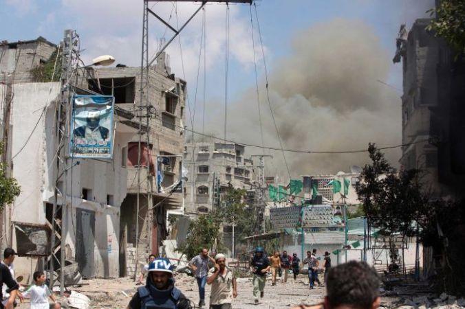 Israeli Police Evacuating Warzone in Gaza